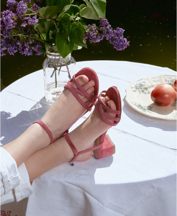 Simple pink strappy sandal in suede leather  KIKI BERRY - petite shoes size 2 - Small size women Shoes