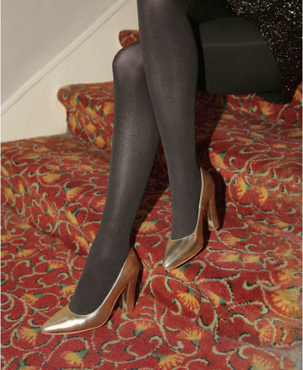 Gold pumps block heel pointed toe RUBY GOLD